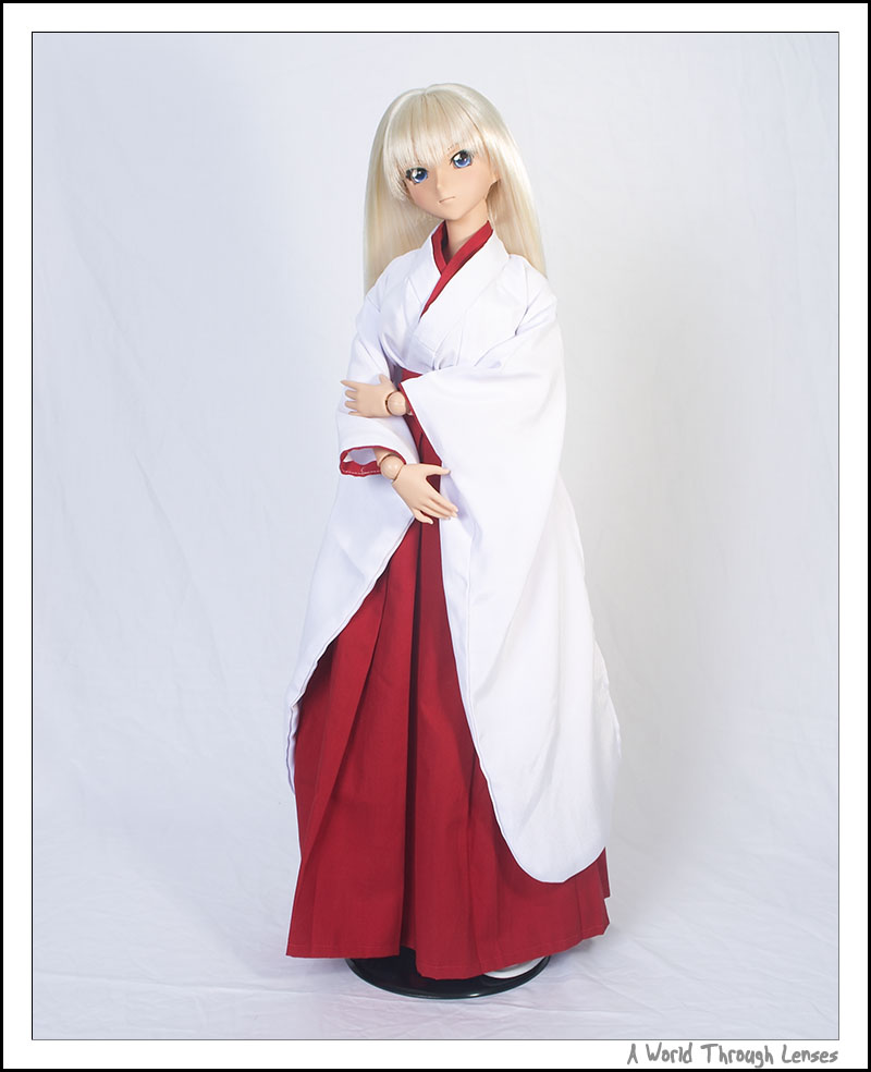 Kanu Unchou In Miko Dress A World Through Lenses