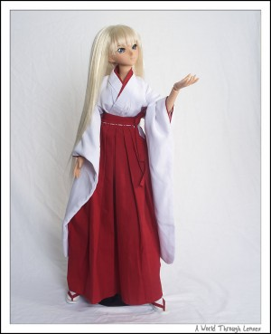 Kanu in miko dress 2